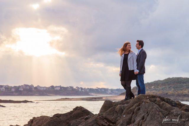 Photo en couple de Delphine & Anthony, Engagement/Fiançailles avant leur mariage (à Saint-Malo, Bretagne)