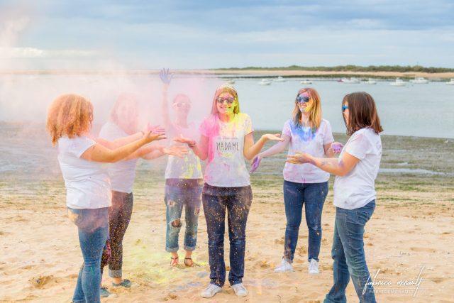 """EVJF... de la poudre du type """"Run Color"""" (utilisé lors des courses à pieds) et pour faire des photos très drôles"""