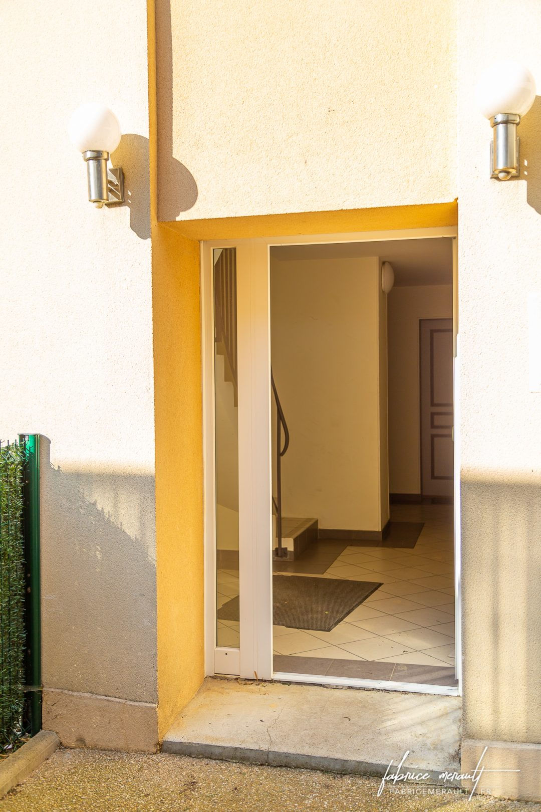 Photographie immobilière - Entrée de l'immeuble