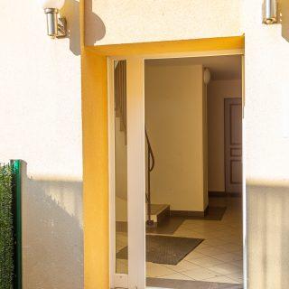 Photographie immobilière – Entrée de l'immeuble