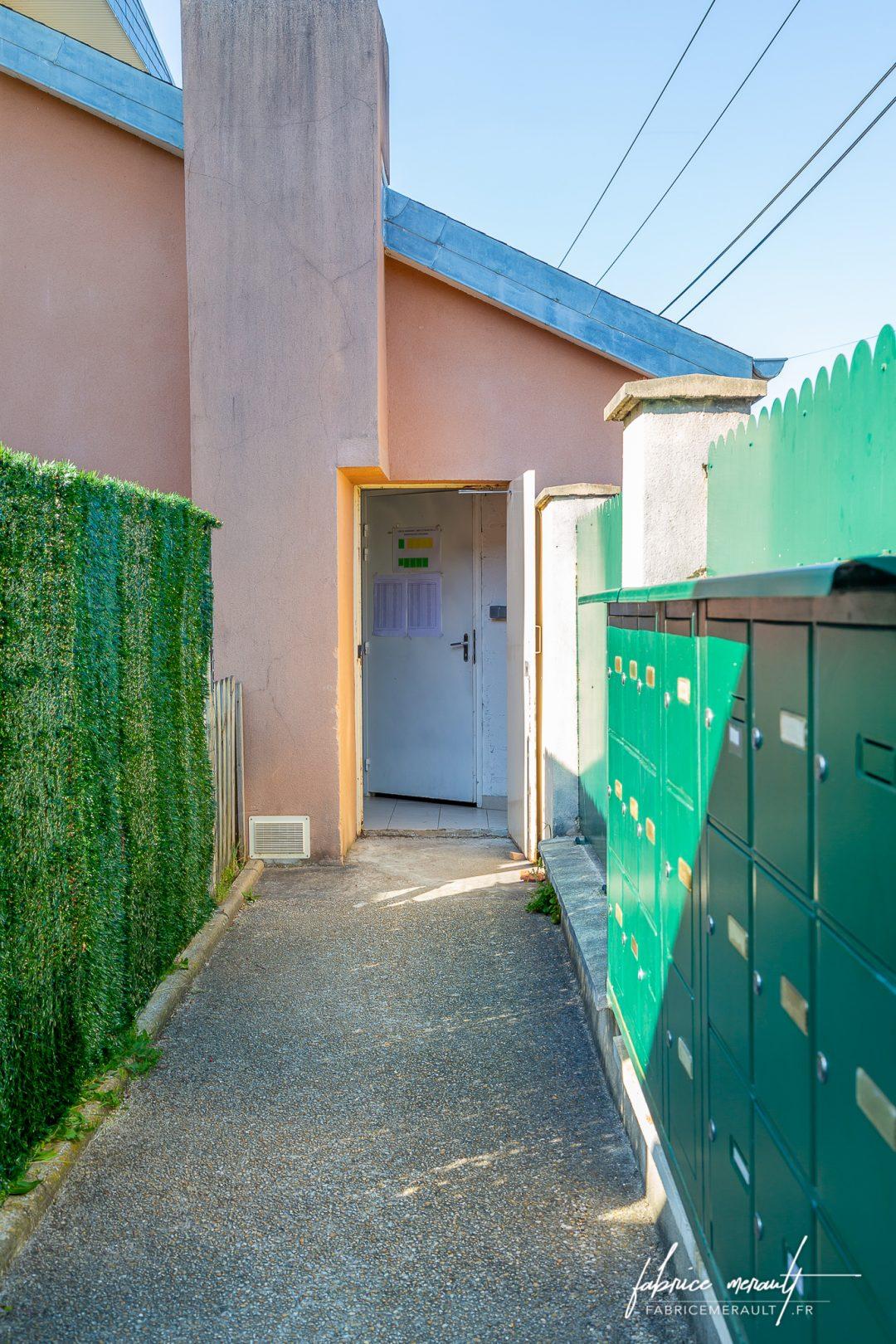 Photographie immobilière - Local poubelles