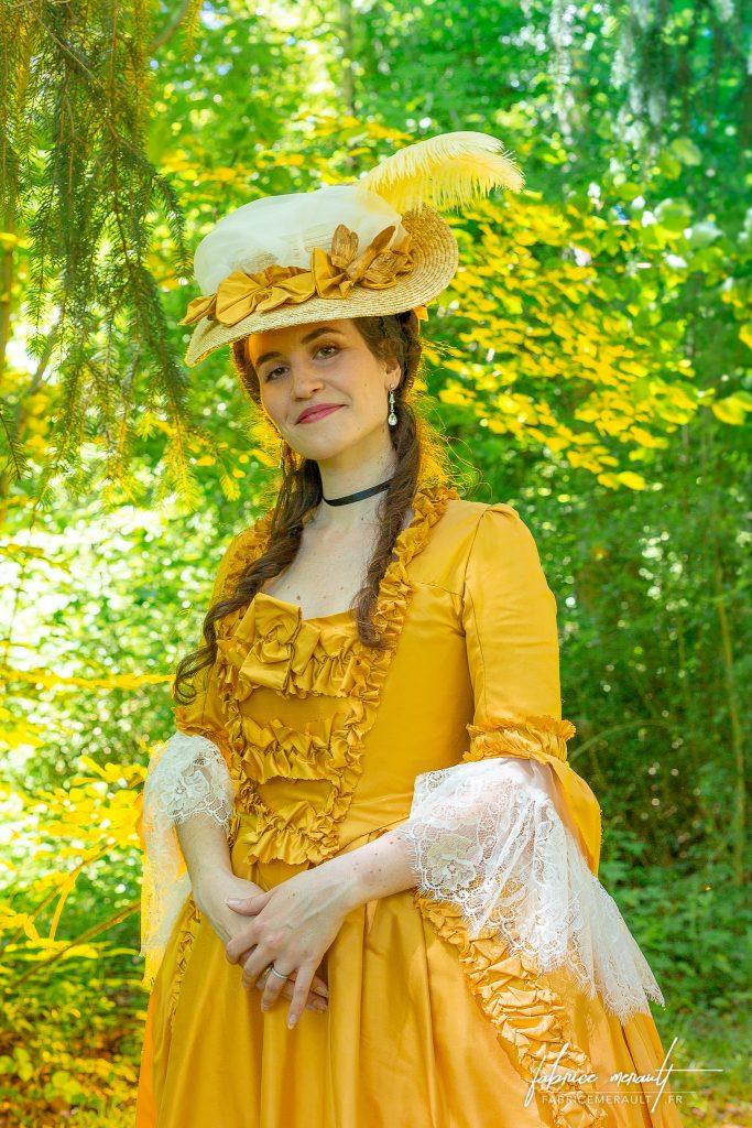 """""""Melly"""" (@mellyswardrobe) dans le parc du Château de Vaux-le-Vicomte"""